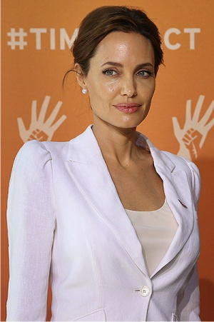Джоли, костюм