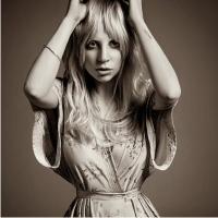 Леди Гага, прическа