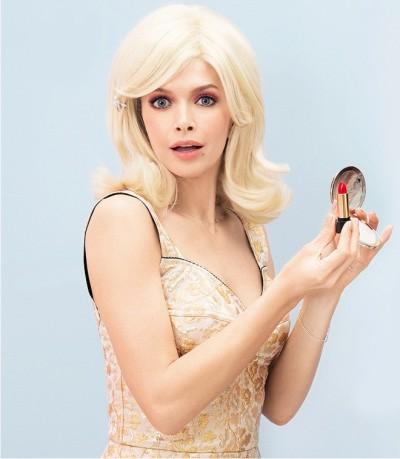 Гламурная блондинка на массаже hd
