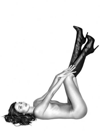 Миранда Керр сняла с себя все для Harper's Bazaar.